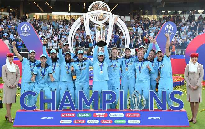 World-cup-Trophy-after-Super-over
