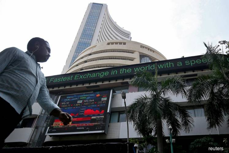 Sensex-Jumped-to-1.921-Points-In-Response-To-Government's-Tax-Cuts