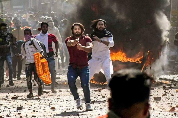 Delhi-Pro-And-Anti-CAA-Violence