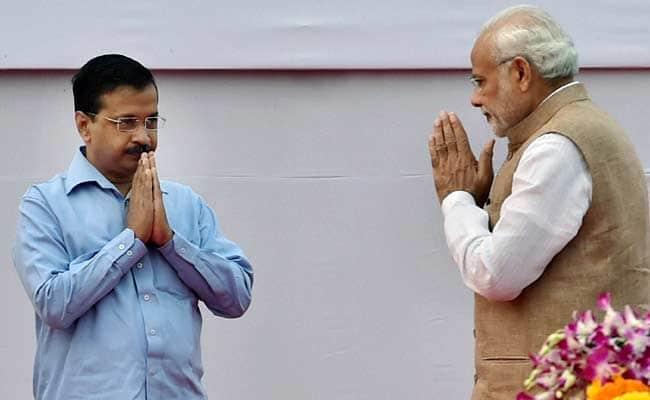 PM-Narendra-Modi-with-Arvind-Kejriwal